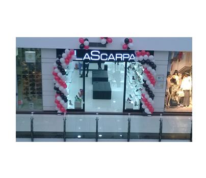 Magazin La Scarpa Arena Mall Bacau