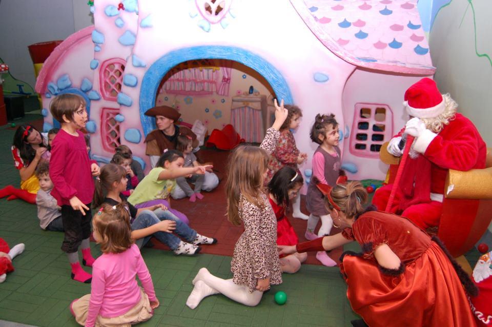 Cartoon Land Arena Mall Bacau-loc de joaca pentru copii