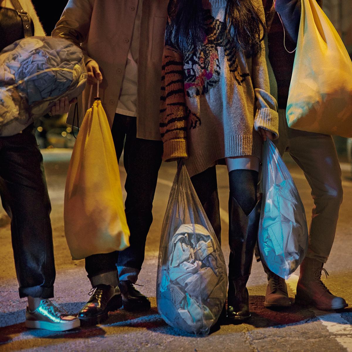 H&M-Garment-Collecting-Box-Don't-let-fashion-go-to-waste-reciclare-haine-voucher-cumparaturi