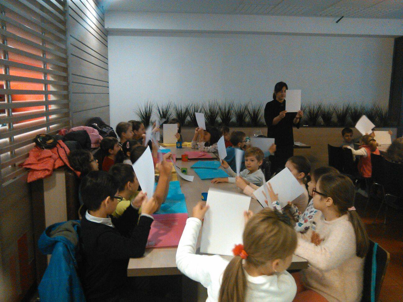 ATELIER-CREATIV-RECREATIV-2017-activitati-pentru-copii-Arena-Mall-invatatoarea-Lidia-Sabau-concursuri-pictura-activitati-Bacau