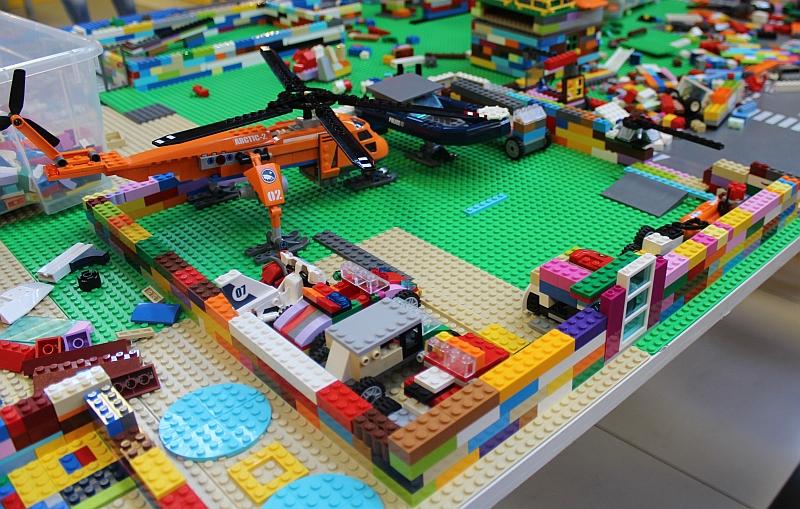Oraselul-creatoria-in-arena-mall-ziua-copiilor-evenimente-copii-jucarii-lego-constructii-creative-ateliere-pentru-copii-vouchere-maxi-toys-jucarii-noriel-excursie-tombola-parc-distractii-gardaland-italia